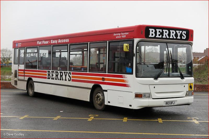 Berrys Coaches R113OFJ