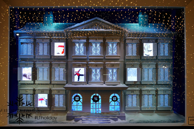 Christmas Countdown Mansion