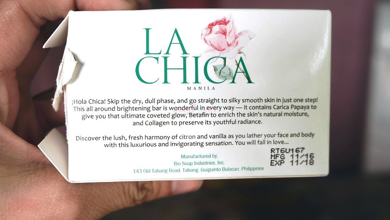 la-chica-whitening-soap-review-5