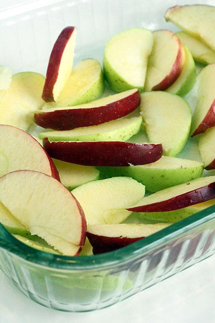 Step2_Cut-up-apples