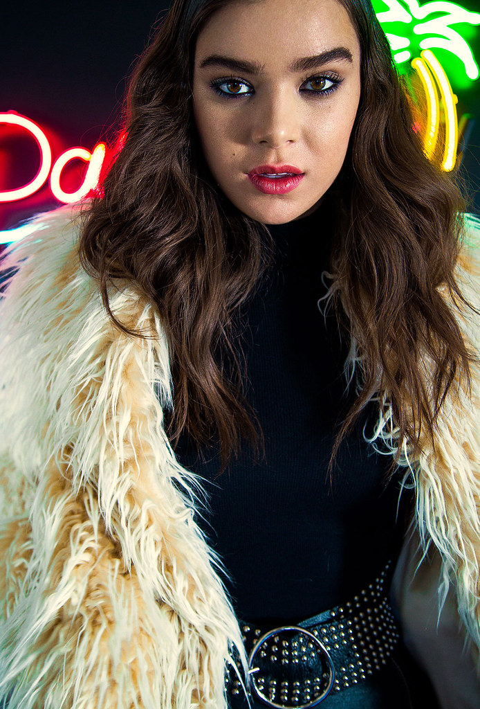 Хейли Стейнфилд — Фотосессия для «Nylon» 2015 – 4