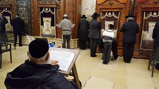 "Изображение Стена Плача. praying jerusalem ""east jerusalem"" judaism jews torah westernwall religion haredi ultraorthodox jewishquarter"