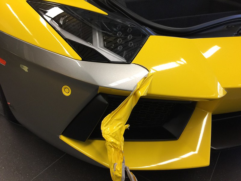 Aventador car wrap removal