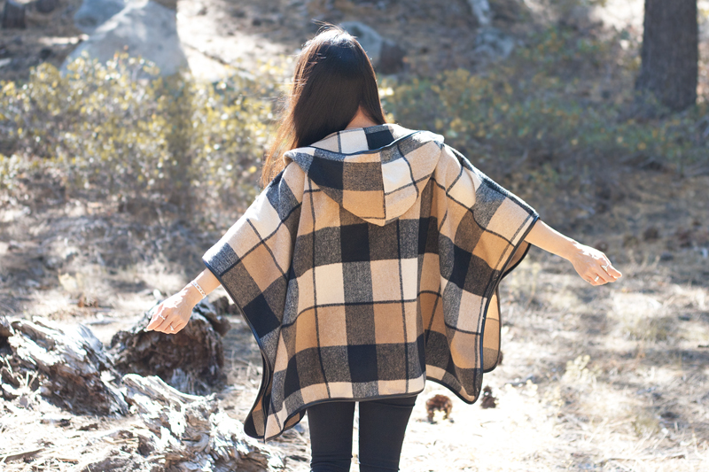 08-plaid-poncho-tahoe-travel-style-fashion