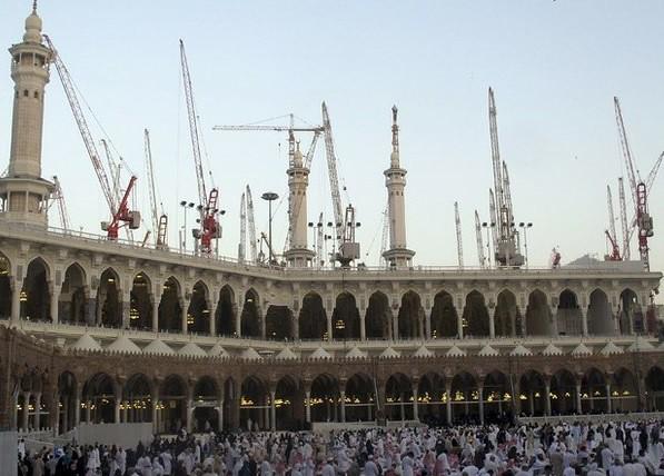 Colapso de grúa en La Meca deja 87 muertos