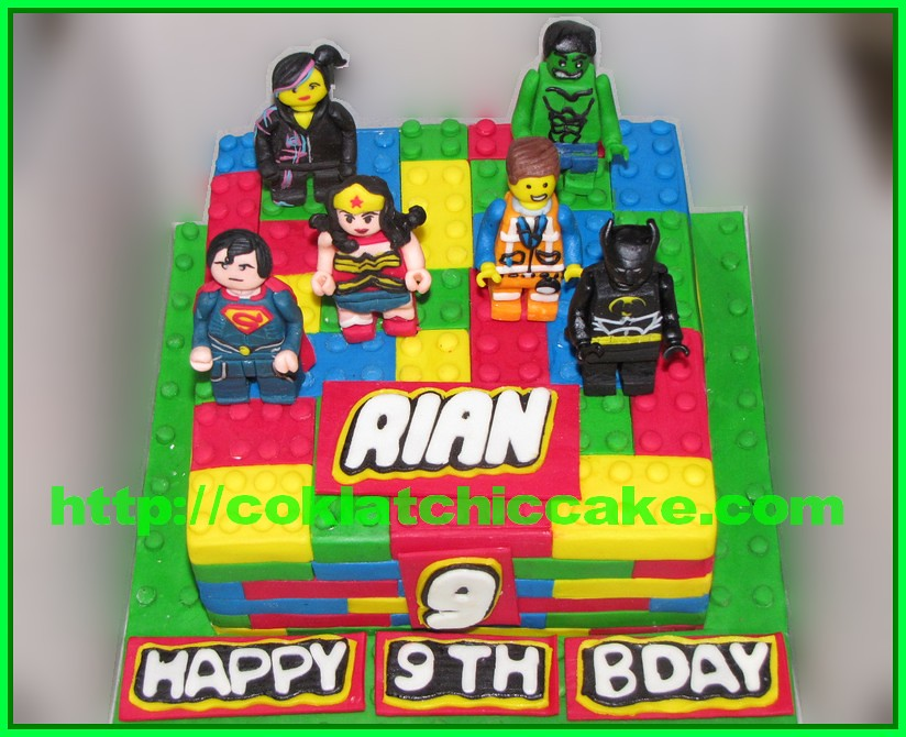 Cake Lego Movie