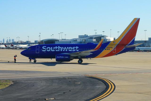 Southwest N220WN: Boeing 737-700