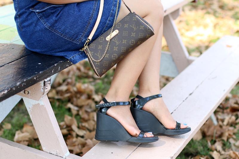 denim-button-skirt-prada-sandals-4
