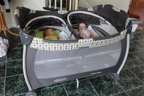 Double Bassinet Playpen Lil Burghers