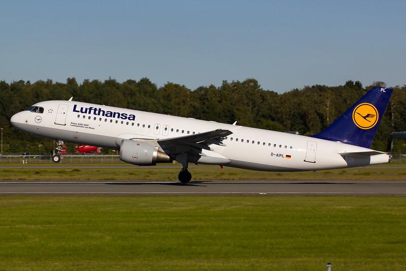 Lufthansa - A320 - D-AIPL (1)