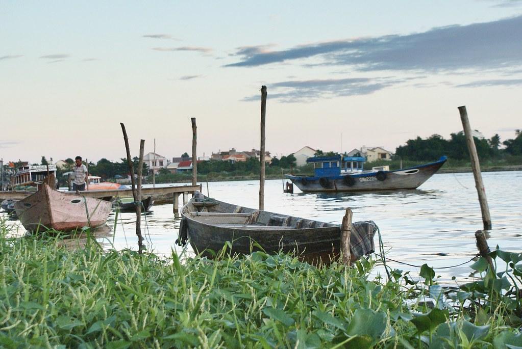 Vue sur la rivière Thu Bồn à Hoi An.