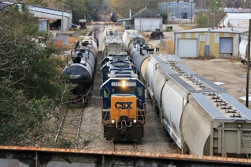 csxt csxtransportation atlanticcoastline acl railroad orangeburgsubdivision orangeburg southcarolina emd roadslug 2220 manifest train