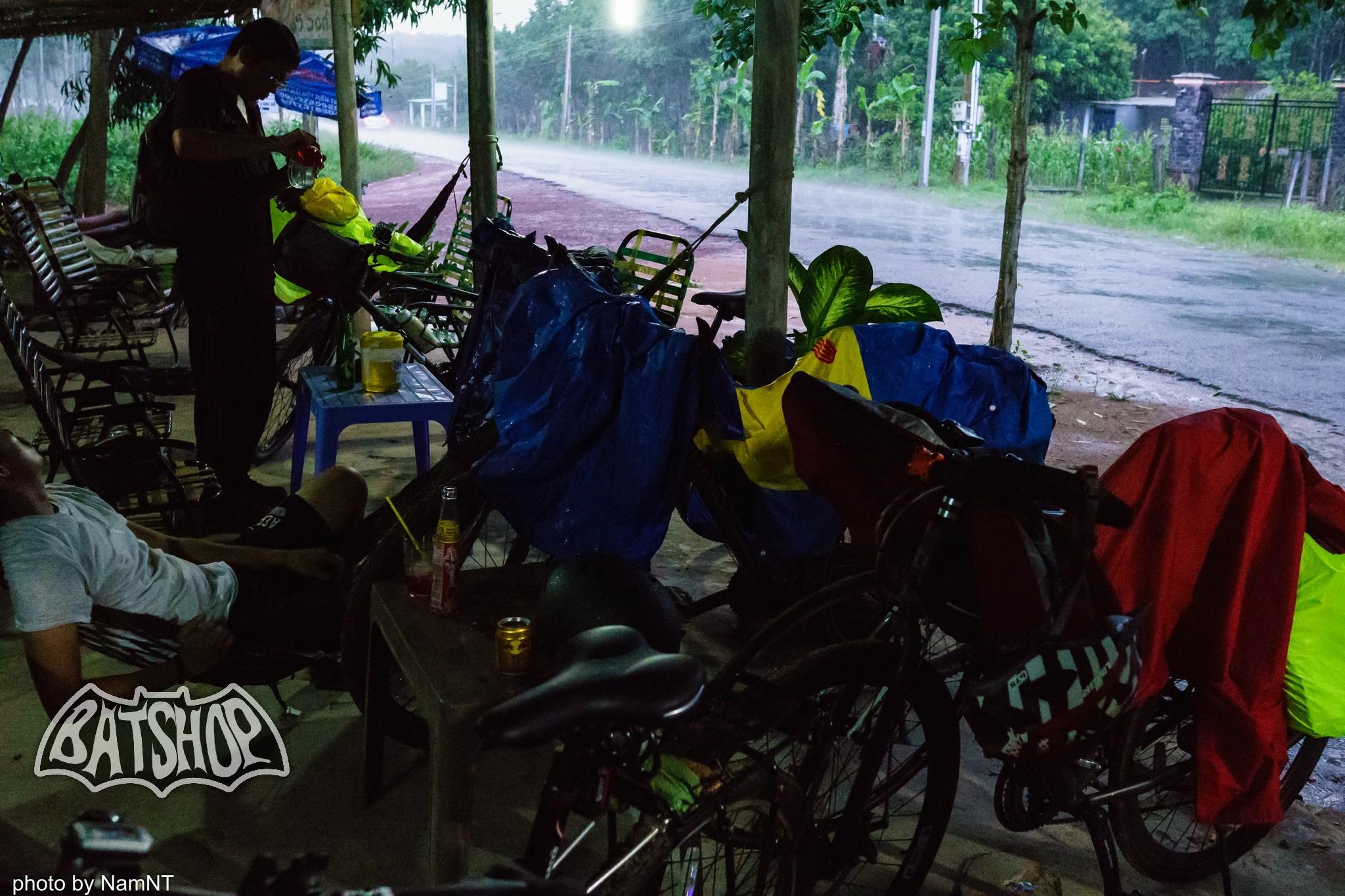 20653758971 8e67cf117b k - Hồ Cần Nôm-Dầu Tiếng chuyến đạp xe, băng rừng, leo núi, tắm hồ, mần gà