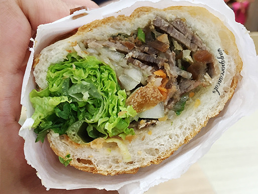 06 Trung Nguyen - Banh Mi Beef