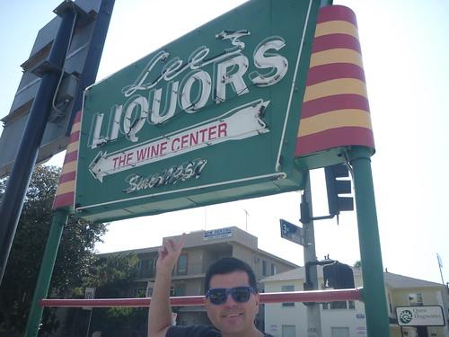 Lee's Liquors - Los Angeles - Photos by Keith Valcourt for Retro Roadmap