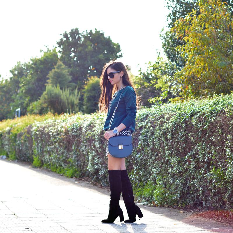 zara_ootd_shorts_green_high_boots_como_combinar_botas_05