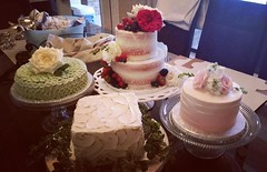 Four #smallcakes for an intimate wedding. What a pretty cake table!  #anniesculinarycreations #214EATCAKE #customcakes #customcake #dallasbakery #dfwbakery #wedding #weddingcake #weddingcakeideas #happilyeveradter #happilyeverafter #mrandmrs #shesaidyes