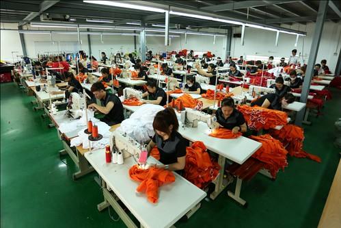xưởng may mặc thời trang cao cấp & uy tín tại TPHCM 02