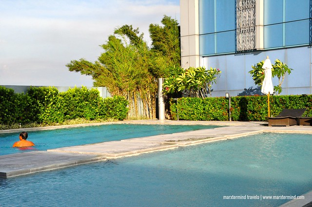 Swimming Pool at Deck Bar Crimson Hotel Filinvest City