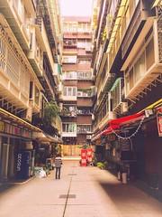 Apartments in Tienmu, Taipei.天母街頭。