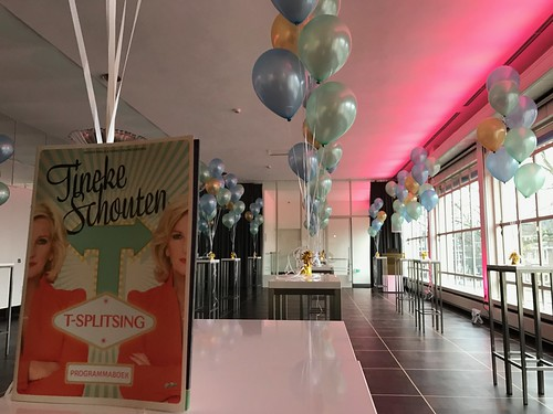 Tafeldecoratie 7ballonnen premiere T-Splitsing Tineke Schouten Stadsschouwburg Utrecht