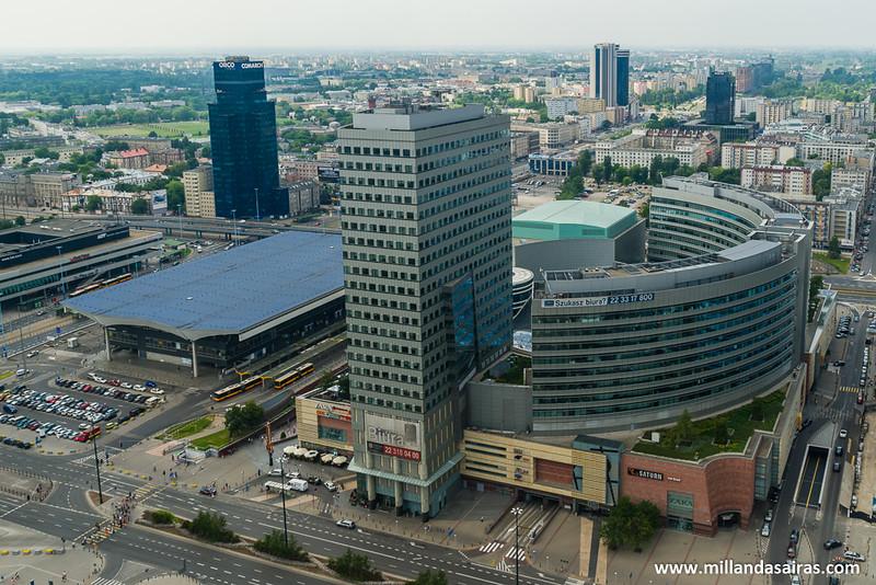 Estacion central de Varsovia y CC Złote Tarasy