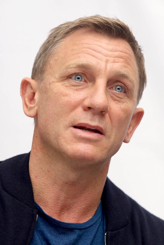 Дэниел Крэйг — Пресс-конференция «007: СПЕКТР» 2015 – 23