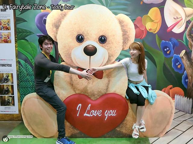 Trick Eye Museum Singapore Teddy Bear