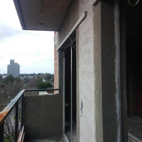 ROCA 1159. Recuadrando aberturas en balcones