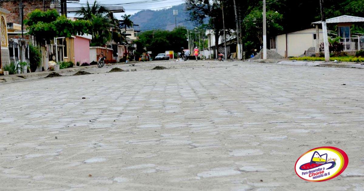 50% el avance del adoquinado en calles de ciudadela Julia González