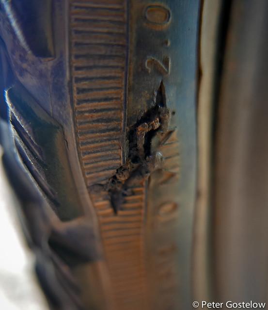 Tyre wall split