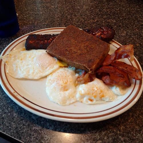 #breakfast #eggs #overeasy #bacon #crispy #italian #sausage #scrapple #food #foodporn #instafood #foodgasm #yummy #delicious #hkig #igershk #elkton #maryland #follow #followme