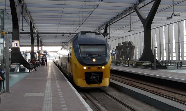 Rotterdam, VIRM Centraal station ns regiorunner