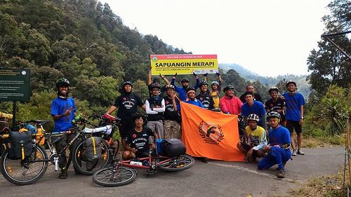 Sapuangin Basecamp - photograph by Rofi Miftahul Fadhli