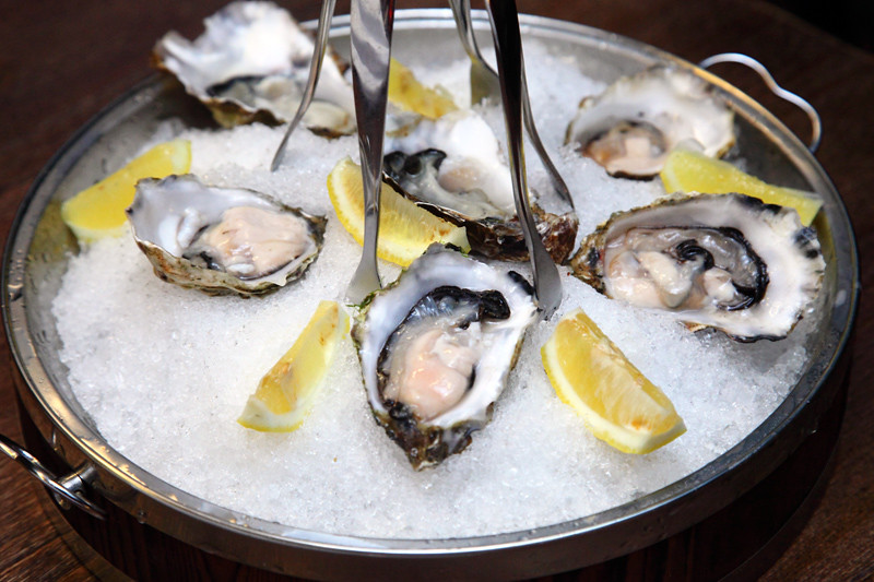 Kelly's-Gigas-Oysters