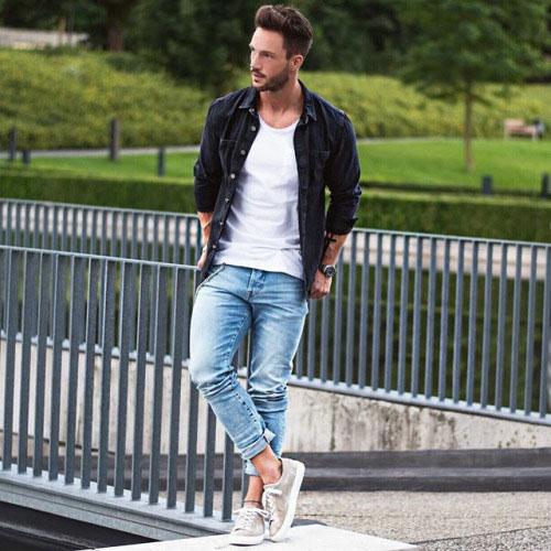 デニムシャツ×ジーンズ×ローカットスニーカー