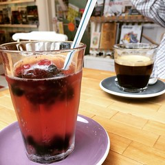 berry tea soda & black   #interiorbookwormcafe #osaka #japan
