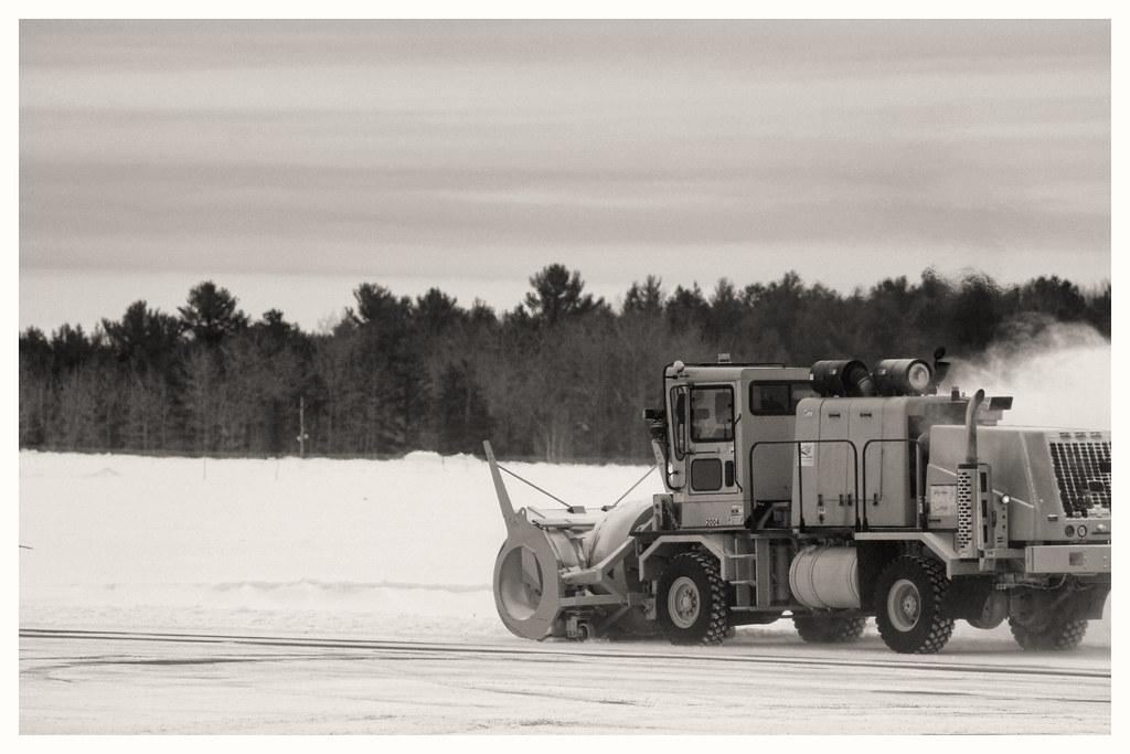Airport Hseries blower 002a | Jim Menard | Flickr
