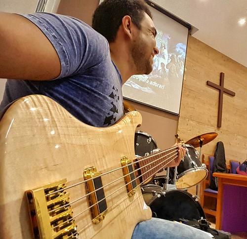 🙏 #igreja #louvor #vipbassclub #bass #contrabaixo #bajo #fé #luta #rickenbacker #fourstrings #baixo #bassplayer #maple #chayene #chorus #ipi #church #presbiteriana #prebyterianchurch