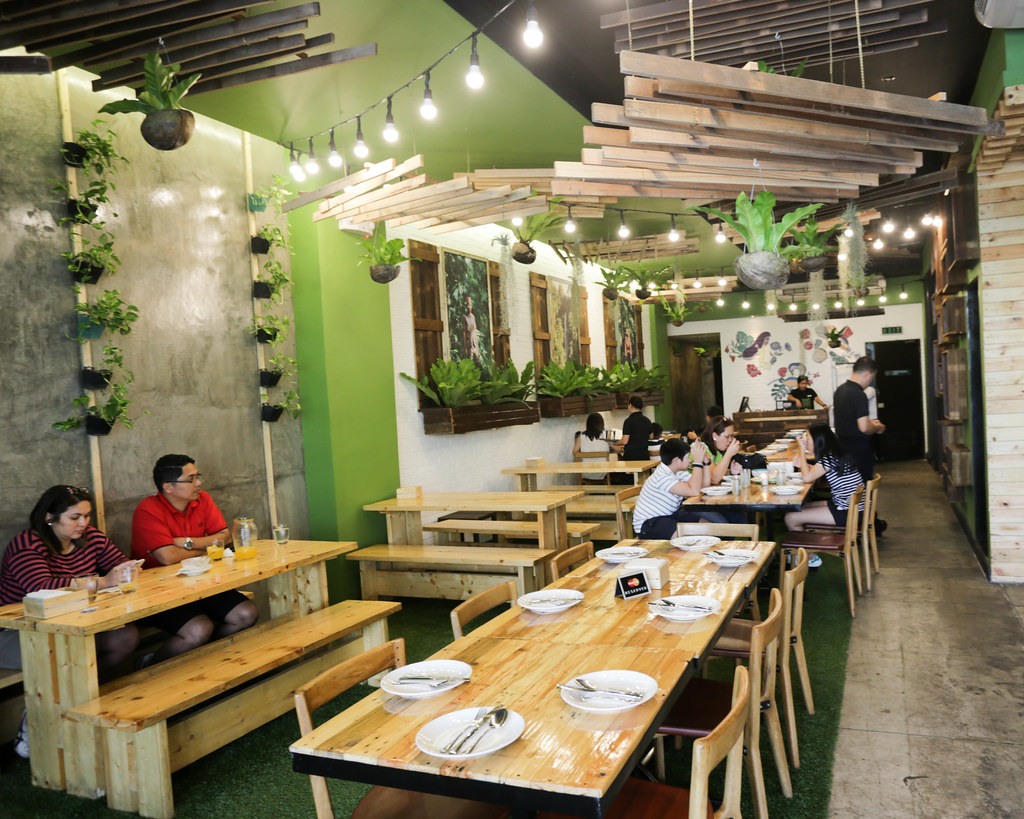 Earth Kitchen BGC-5.jpg