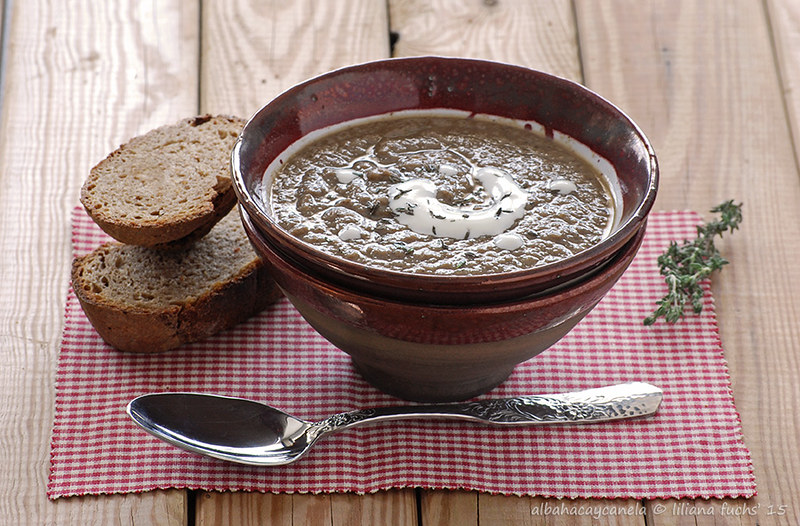 Mushroom cream soup with black garlic