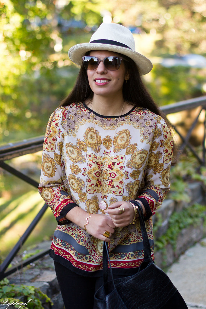 printed tunic, black pants, panama hat-11.jpg