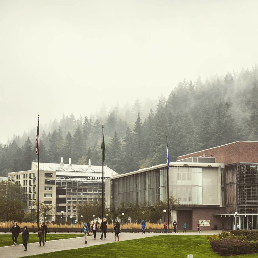 Shout out to everyone who got soaked walking to and/or from campus today. #dedication     #mywestern #wwu #bellingham #bellinghome #fallatwestern