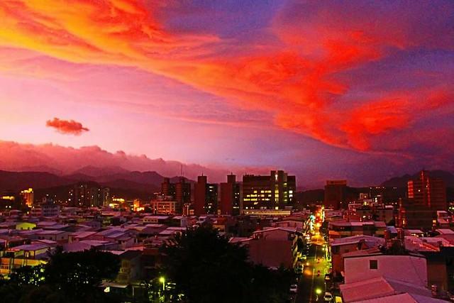 9月29傍晚台東的火燒雲1