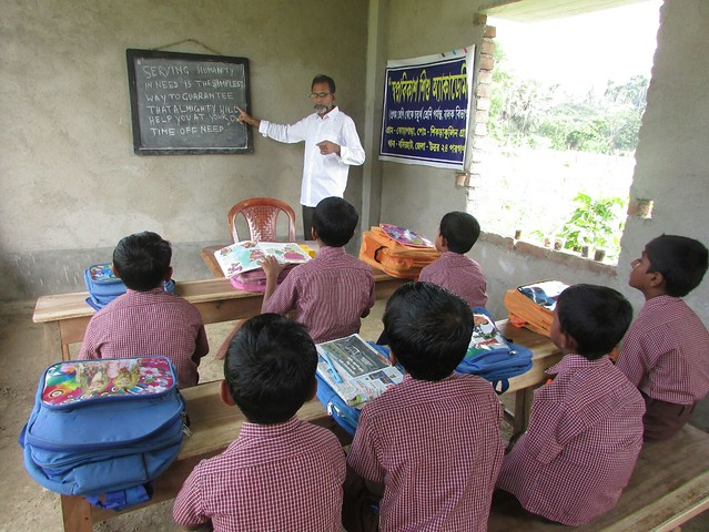 abdar_rahman_taking_class_in_the_orphanage_school