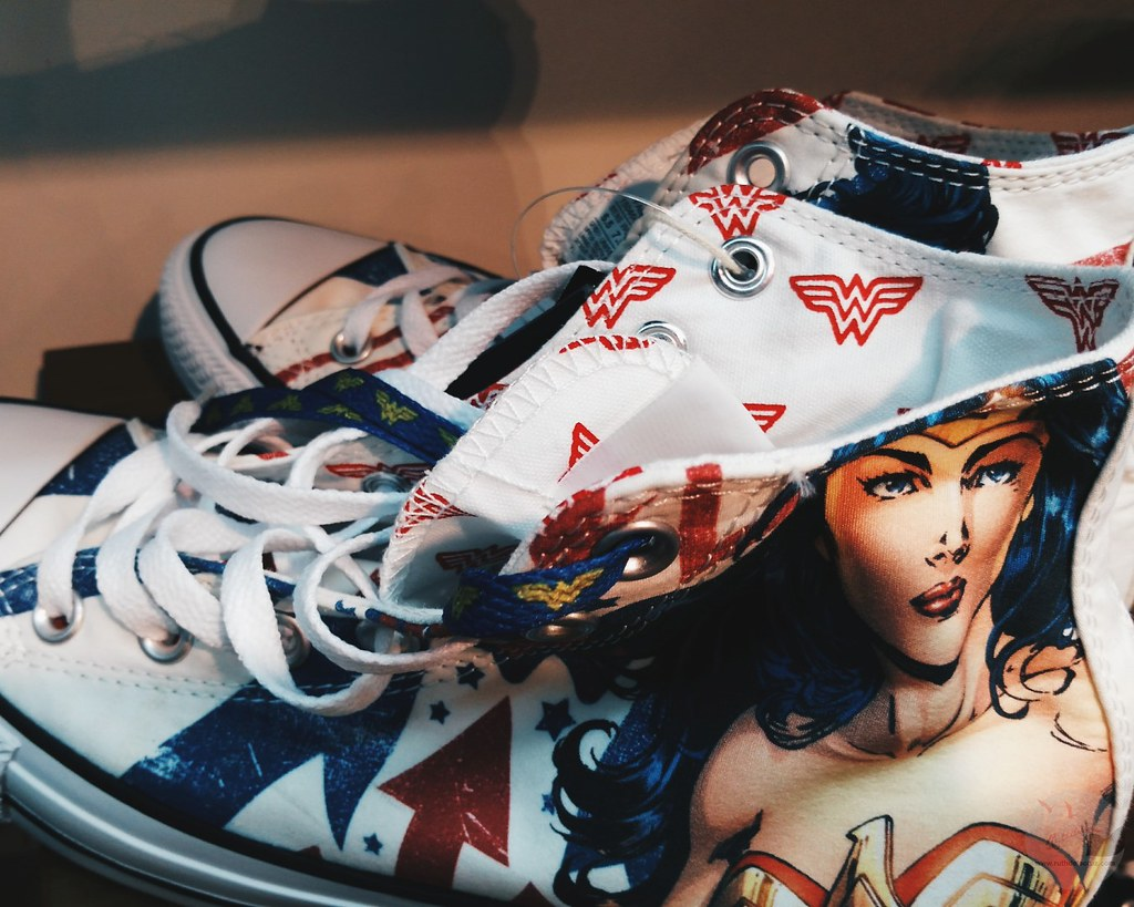 limited edition converse wonderwoman