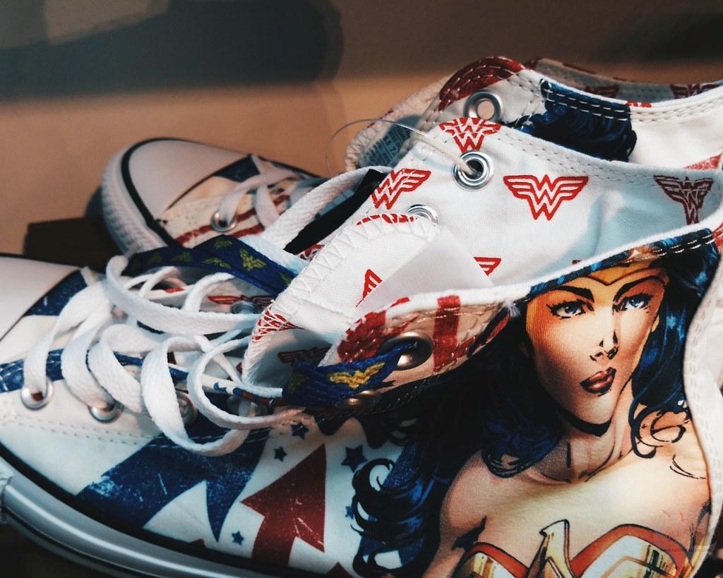 limited edition converse wonderwoman