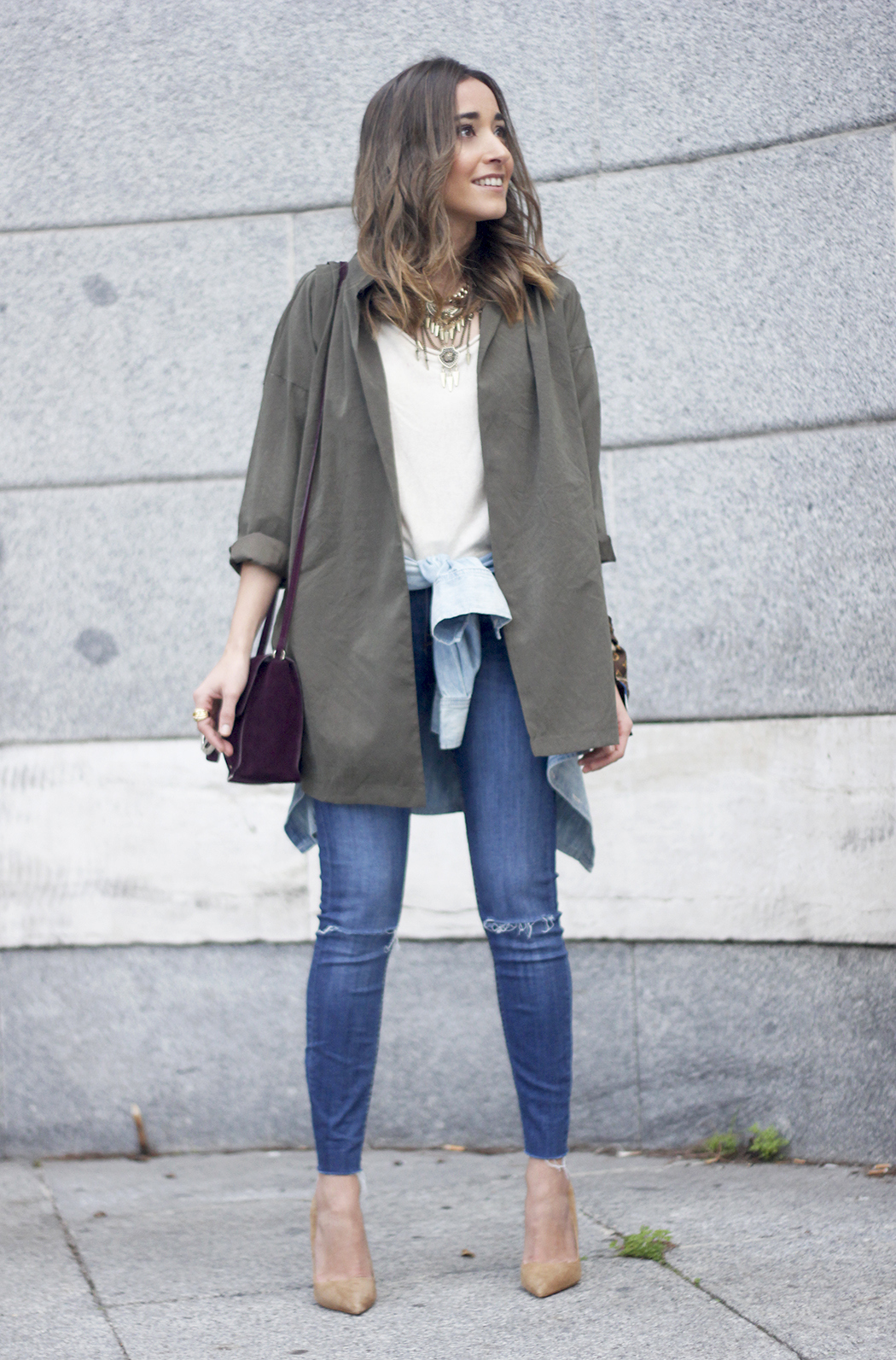 army green shirt jeans nude heels uterqüe purse outfit02