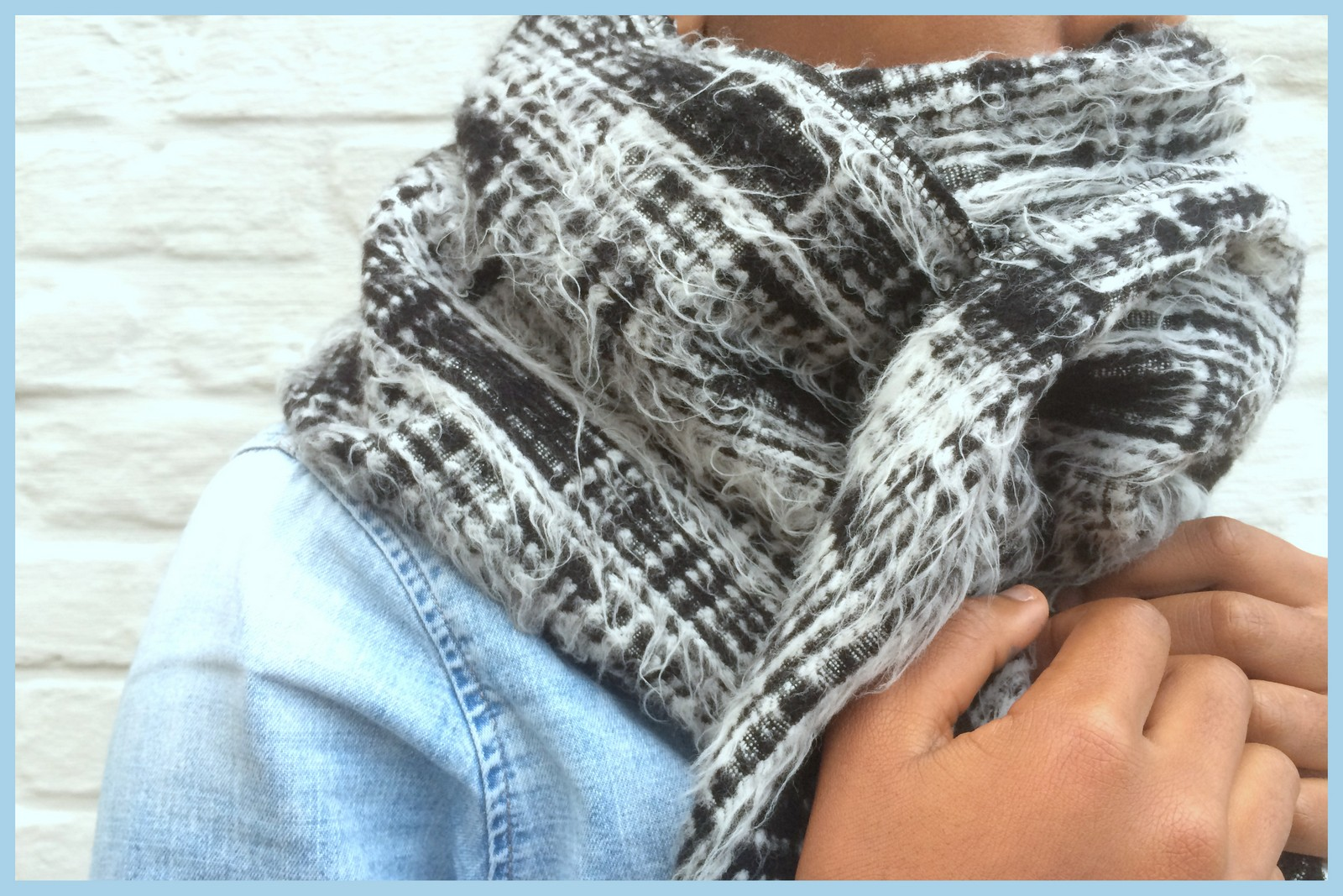 oversized scarf (close-up)