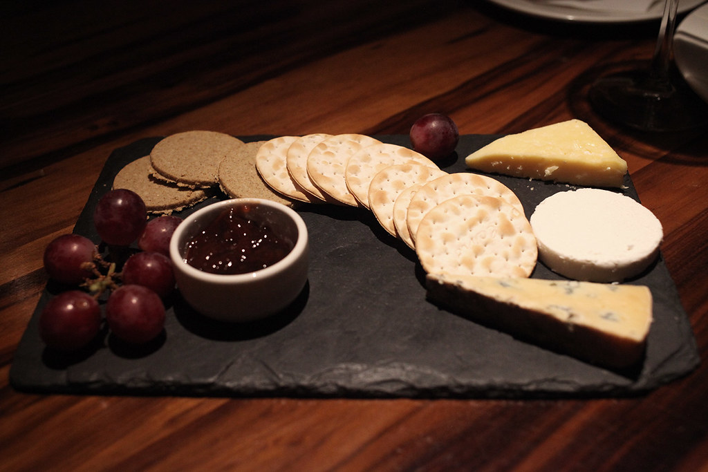 cheese-board-and-crackers-dessert-grill-on-the-market